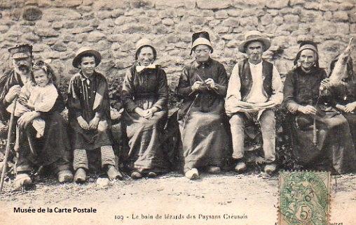 Carte postale ancienne du Limousin, représentant les paysans creusois.