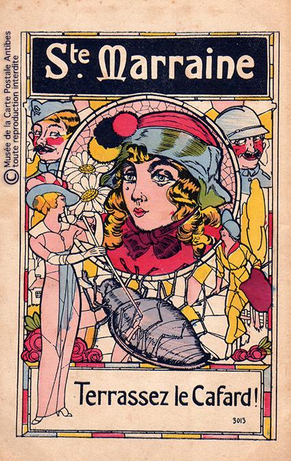 """Carte postale illustrant Sainte Marraine terrassant le cafard, issue de l'exposition temporaire """"l'humour chez les poilus"""" au Musée de la Carte Postale, à Antibes."""