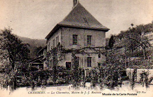 Carte postale ancienne représentant la maison des Charmettes à Chambéry.