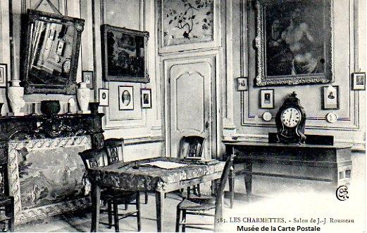 Carte postale ancienne représentant le salon de Rousseau dans la maison des Charmettes.