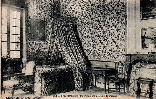 Carte postale ancienne représentant la chambre de madame de Warens dans la maison des Charmettes.