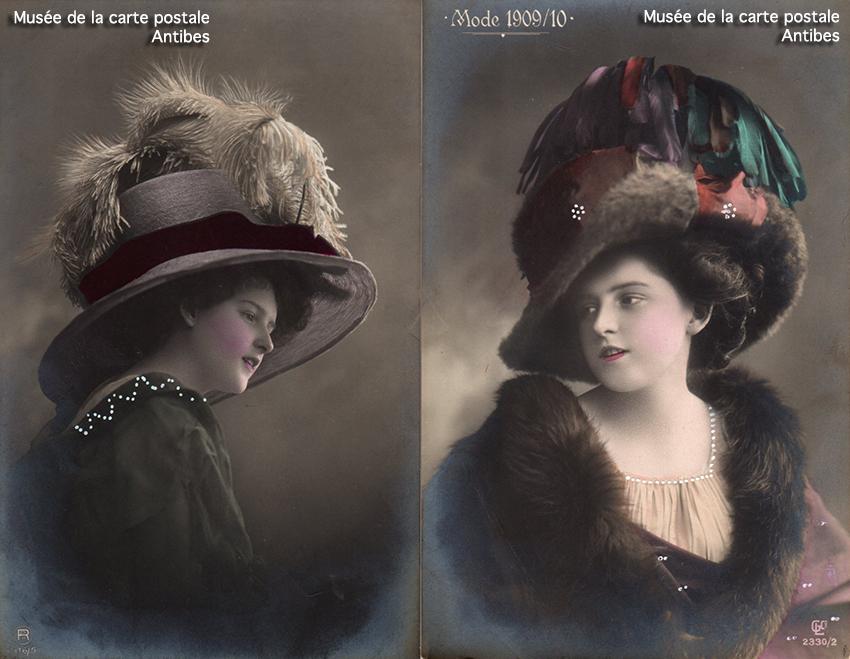 Cartes postales anciennes montrant la mode féminine des grands chapeaux début 1900 en France, issues de l'exposition temporaire du Musée de la Carte Postale à Antibes.