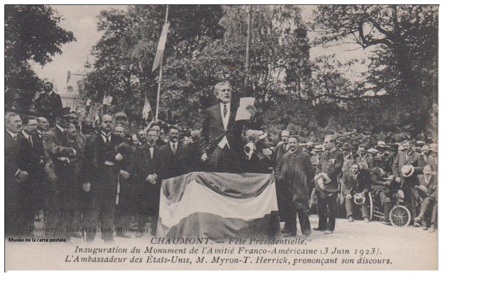 Carte postale représentant l'inauguration du monument de l'Amitié Franco-Américaine, à Chaumont.