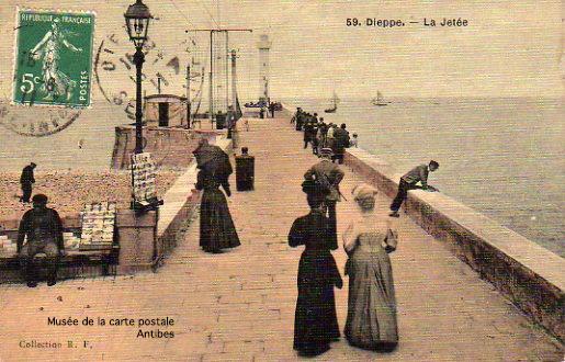 Carte postale de la jetée de Dieppe.