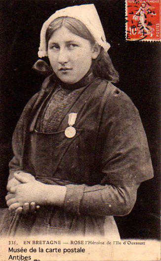 Carte postale de l'héroïne d'Ouessant, Rose.