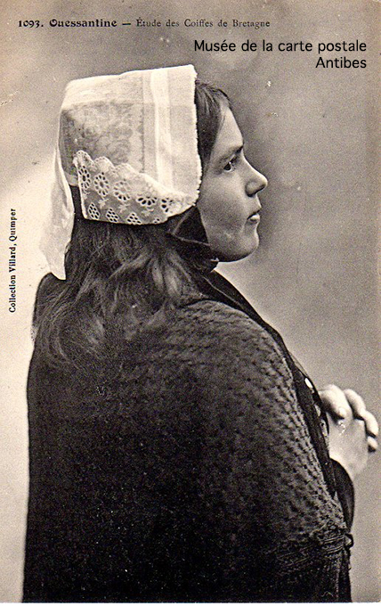 Carte postale ancienne représentant la coiffe ouessantine.