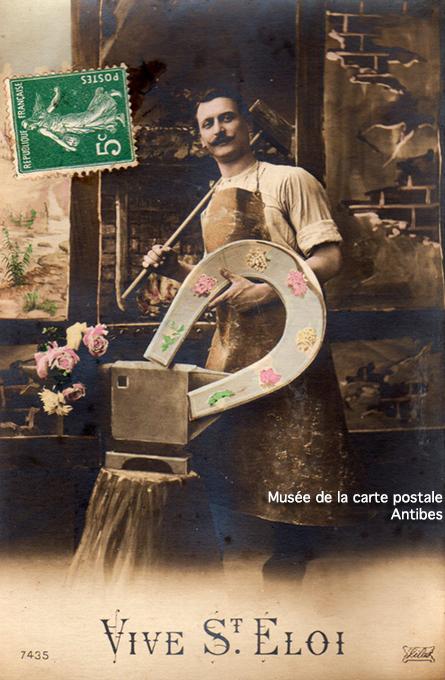 Carte postale photo montage représentant un forgeron pour la Saint-Eloi.