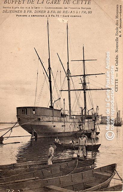 Carte postale ancienne représentant un voilier école, issue de l'exposition des grands voiliers au Musée de la Carte Postale, d'Antibes.