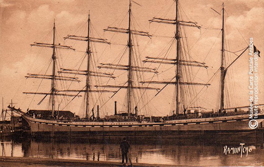 Carte postale ancienne issue de l'exposition sur le thème des grands voiliers au Musée de la Carte Postale, d'Antibes.