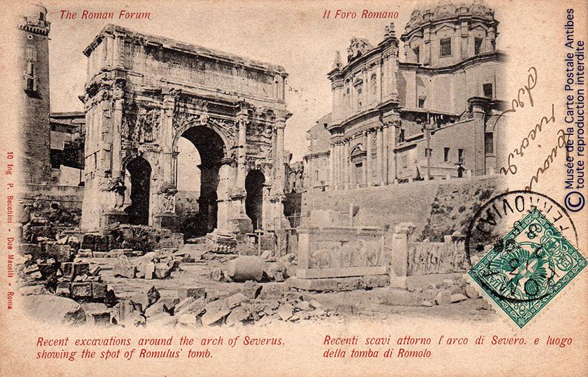 Carte postale représentant l'arc de triomphe du Forum romain, issue de l'exposition temporaire sur les Arcs de triomphe au Musée de la Carte Postale.