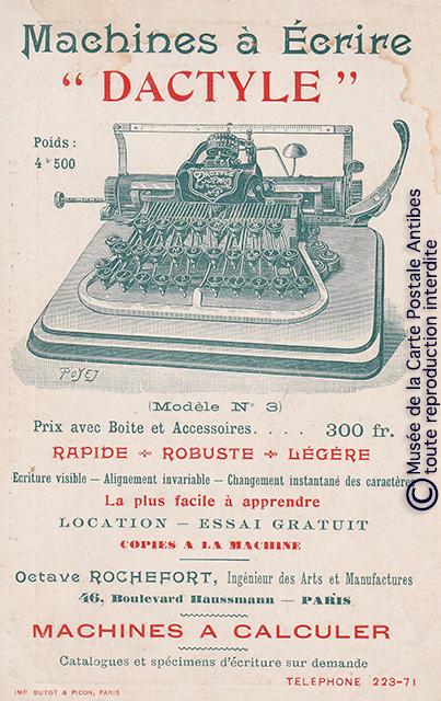 Carte postale publicitaire représentant une machine à écrire Dactyle issue de notre exposition sur la sténodactylographie.