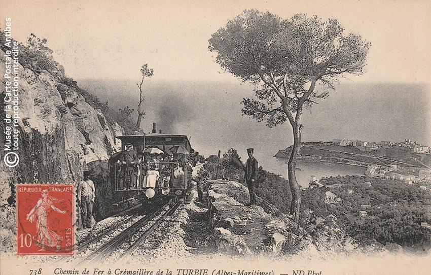 Carte postale ancienne représentant le chemin de fer à crémaillère entre La Turbie et Monte Carlo.