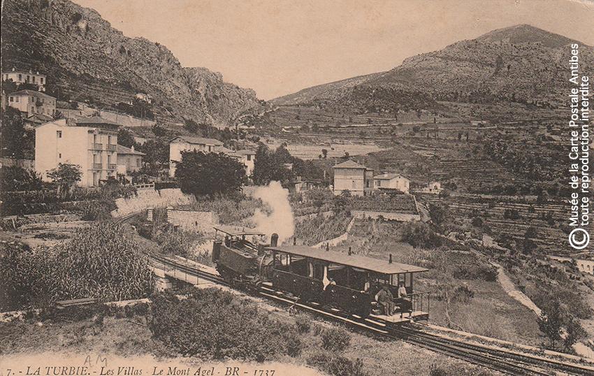 Carte postale ancienne représentant les villas de La Turbie et le Mont Agel.