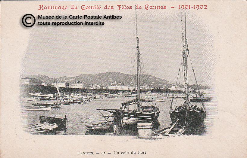 Carte postale ancienne représentant le port de Cannes, issue des réserve du musée de la carte postale, à Antibes.