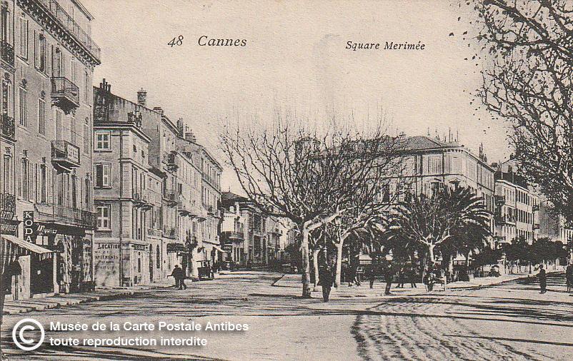 Carte postale ancienne représentant le Square Mérimée à Cannes, issue des réserve du musée de la carte postale, à Antibes.