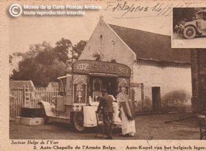 Carte postale ancienne représentant une auto-chapelle de l'armée belge.