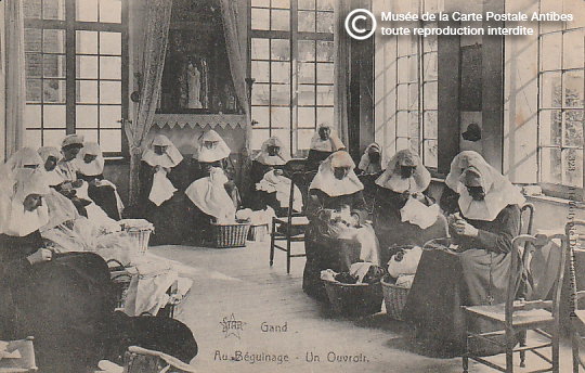 Carte postale représentant un béguinage.