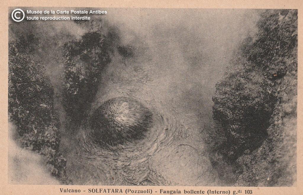 Carte postale représentant le volcan Solfatara.