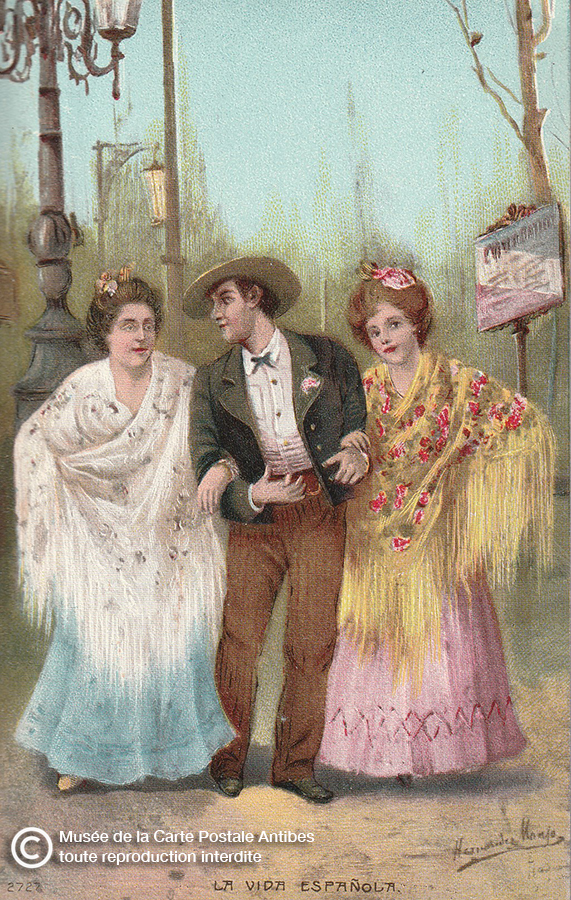 """Carte postale ancienne illustrant l'adage """"entre les deux mon cœur balance"""" issue de l'exposition temporaire du Musée de la Carte Postale, à Antibes."""
